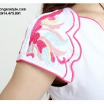 Áo thun nữ cộc tay thêu họa tiết vai cách điệu (2)