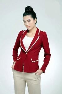 Áo vest nữ cá tính với điểm nhấn cổ áo, túi áo