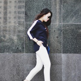 Vẫn là set đồ truyền thống: áo sơ mi và quần âu nhưng kiểu dáng trẻ trung, hiện đại cũng là một lựa chọn thú vị.
