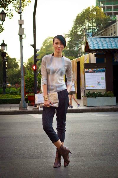Trang-Khieu-dien-thoi-trang-xuyen-thau (1)