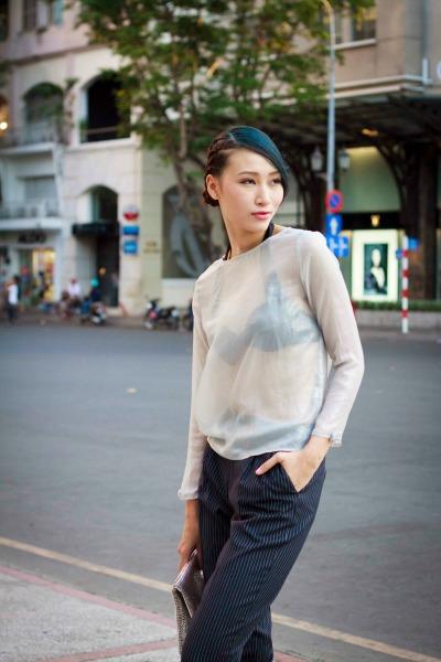 Trang-Khieu-dien-thoi-trang-xuyen-thau (4)