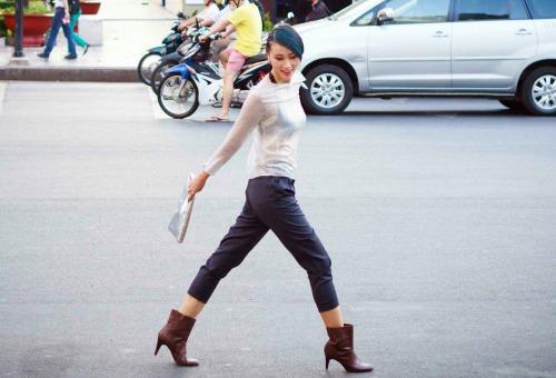 Trang-Khieu-dien-thoi-trang-xuyen-thau (8)