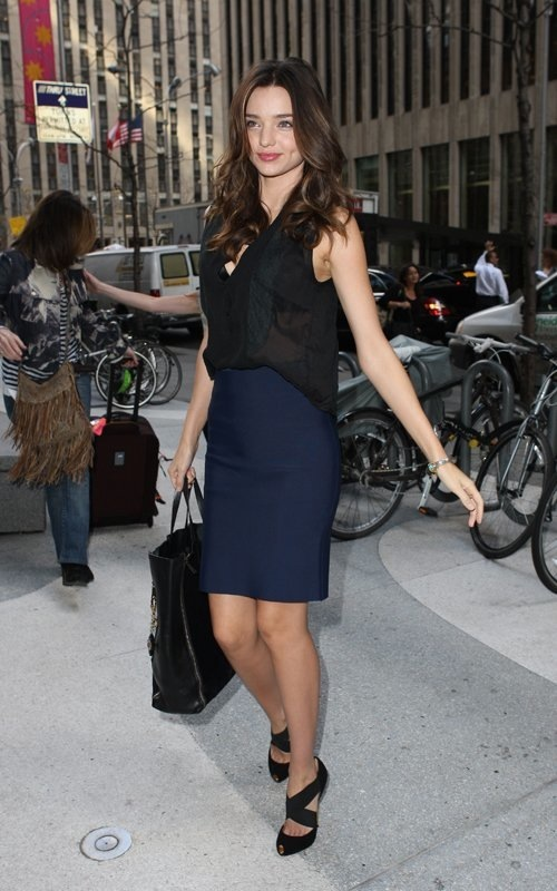 Phoi-doi-cong-so-dep-nh-Miranda-Kerr (8)