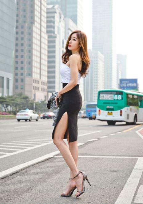 Những ai có phần hông quá to có thể mặc được chân váy này để tạo nên nét mềm mại nữ tính hơn.