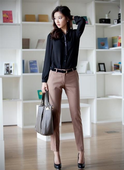 Quần âu là item thời trang rất dễ mĩx đồ với áo sơ mi hoặc pull đều cũng rất hợp gu