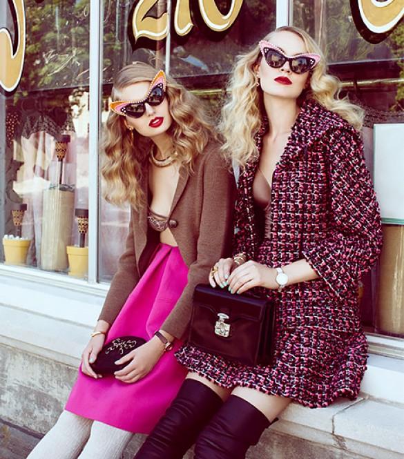 Sự phá cách cho những cô nàng thời trang sành điệu khi kết hợp chân váy midi màu hồng với gam màu nóng. Bạn thật sự sẽ nổi bật và quyến rũ trong những set đồ như thế này.